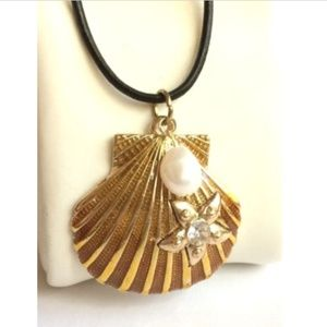 """Jewelry - Gold Shell Pearl Necklace Starfish Sea Life 24"""""""